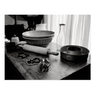 Día de Scene~Baking de la cocina del vintage Postal