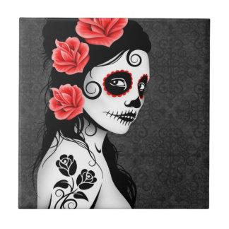 Día del chica muerto del cráneo del azúcar - gris azulejo cuadrado pequeño