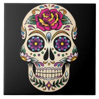 Día del cráneo muerto del azúcar con el rosa azulejo cuadrado grande