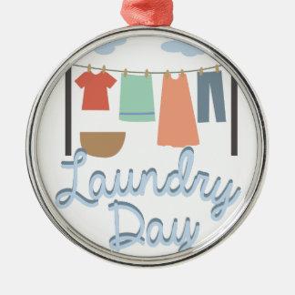 Día del lavadero adorno redondo plateado