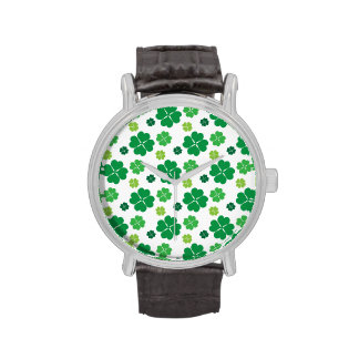 Día del St Patricks del trébol de cuatro hojas Reloj De Mano
