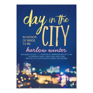 """Día en el fiesta de Bachelorette de la ciudad Invitación 5"""" X 7"""""""