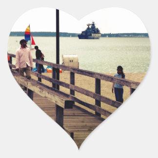 Día en la playa pegatina en forma de corazón
