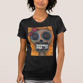 Día esquelético del cráneo del azúcar de la camisa