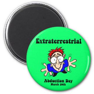 Día extraterrestre de la abducción imán redondo 5 cm