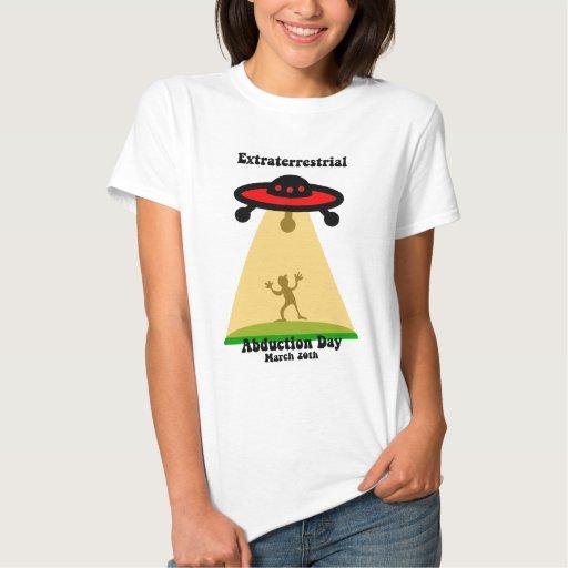 Día extraterrestre de la abducción tee shirt