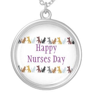 Día feliz de las enfermeras para los gatos y los colgante redondo