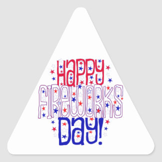 ¡Día feliz de los fuegos artificiales! Con las Pegatina Triangular