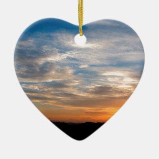 Día hermoso Jarenina Eslovenia del cielo Adorno Navideño De Cerámica En Forma De Corazón
