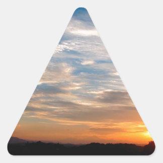 Día hermoso Jarenina Eslovenia del cielo Pegatina Triangular