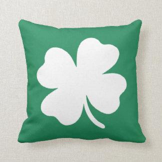 Día Irlanda de Patricks del santo del trébol Cojin