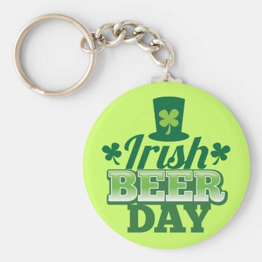 Día irlandés de la CERVEZA Llaveros