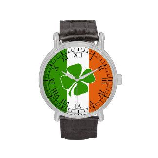 día irlandés de los patricks del st reloj de mano