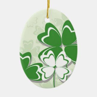 Día irlandés del St. Patricks del trébol del Adorno Navideño Ovalado De Cerámica