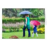 Día lluvioso en el jardín felicitación