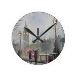 Día lluvioso en los pares de Londres con un Reloj De Pared