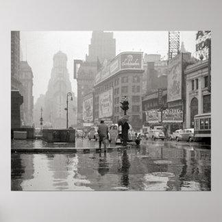 Día lluvioso en Times Square, 1943. Foto del Póster