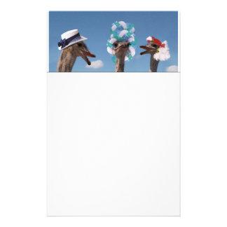 Día loco del gorra en las razas papelería de diseño