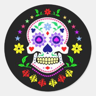 Día mexicano colorido del cráneo muerto del azúcar pegatina redonda