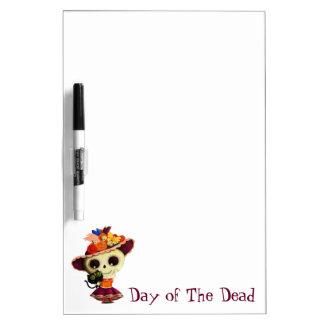 Día mexicano lindo del chica muerto tablero blanco