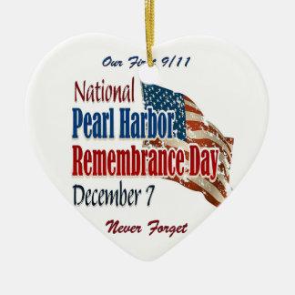 Día nacional del Pearl Harbor Adorno Navideño De Cerámica En Forma De Corazón