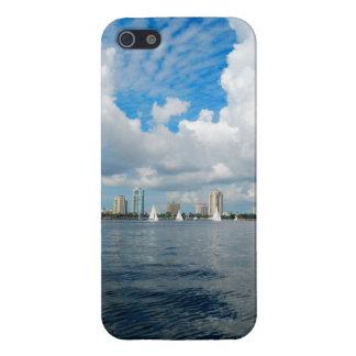 Día nublado sobre St Petersburg la Florida iPhone 5 Fundas