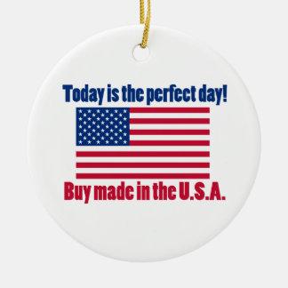 Día perfecto para comprar los E.E.U.U. Adorno Navideño Redondo De Cerámica