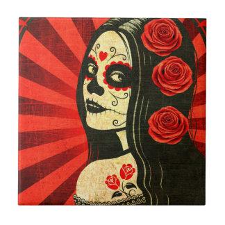 Día rojo del vintage del chica muerto azulejo cuadrado pequeño
