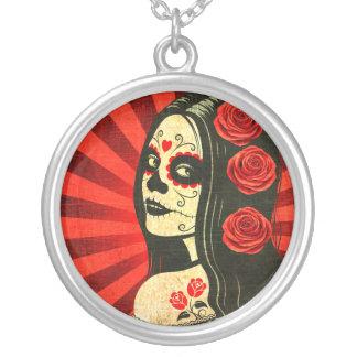 Día rojo del vintage del chica muerto collar personalizado
