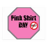 Día rosado de la camisa tarjetas postales