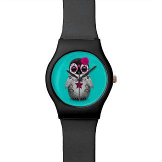 Día rosado del azul muerto del pingüino del cráneo relojes de pulsera