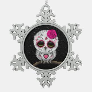 Día rosado lindo de las estrellas muertas del búho adorno de peltre en forma de copo de nieve