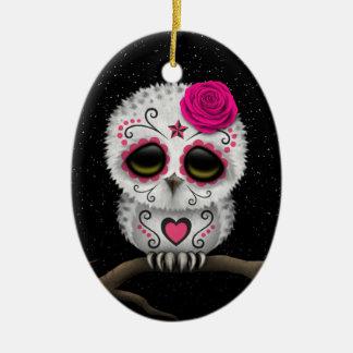 Día rosado lindo de las estrellas muertas del búho adorno navideño ovalado de cerámica