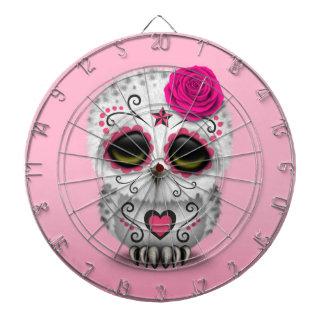 Día rosado lindo del búho muerto del cráneo del tablero dardos