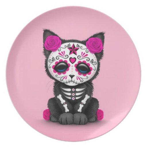 Día rosado lindo del gato muerto del gatito platos para fiestas