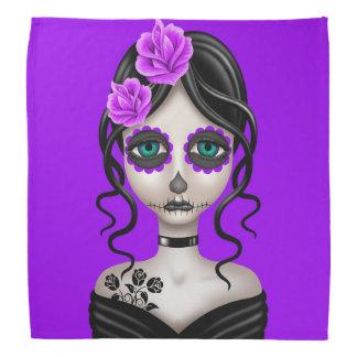 Día triste del chica muerto en púrpura bandanas
