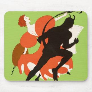 Diablo de la pintura de la mujer en sátira intrépi mouse pads
