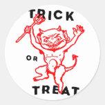 Diablo del kitsch retro del vintage de Halloween Pegatina Redonda