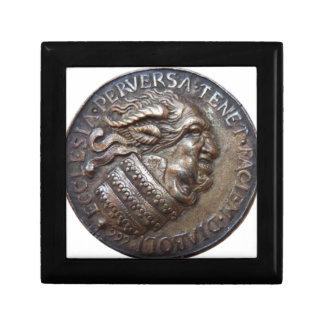 Diabolic medal of RetroCharms Jewelry Box