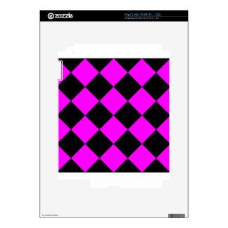 Diag Checkered Large - Black and Fuchsia Skin For The iPad 2