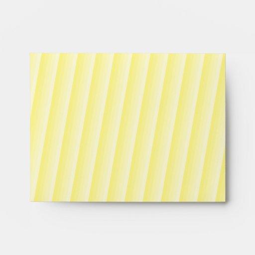 Diagonal amarilla de la escala sobres
