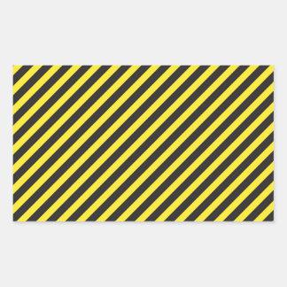 Diagonal amarilla y negra de la construcción rectangular altavoces