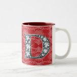 """Diamante Bling de """"D"""" en la taza anudada del damas"""
