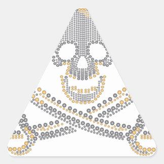diamante y perlas del oro del cráneo del pirata de pegatina triangular