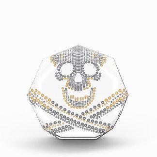 diamante y perlas del oro del cráneo del pirata de