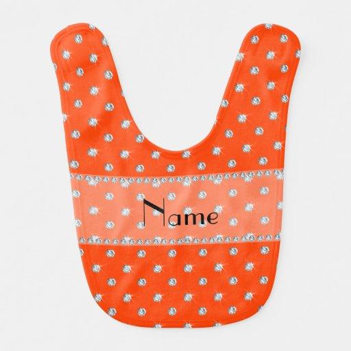 Diamantes anaranjados de neón conocidos personaliz babero para bebé