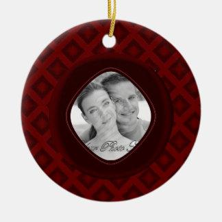 Diamantes del terciopelo (rojos) (boda) adorno redondo de cerámica