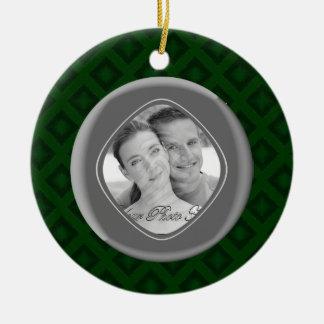Diamantes del terciopelo (verde) (boda) adorno redondo de cerámica