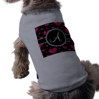 Diamantes negros de los corazones del brillo de camisetas mascota