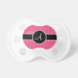 Diamantes rosados del penacho del monograma chupetes para bebés